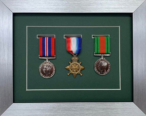 Military / War / Sports Medal 3D Box Picture Frame Fits Three Medal